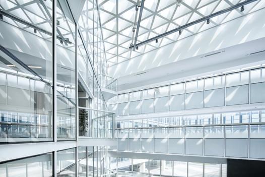 lycs-architecture-aKij95Mmus8-unsplash.j
