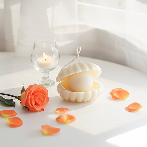 Shell Pearl Candle