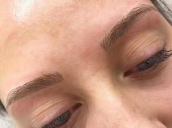 #eyebrowsonfleek #eyebrowtattoo #eyebrows #utah #microblading #microbladingutah #microbladingbrows #