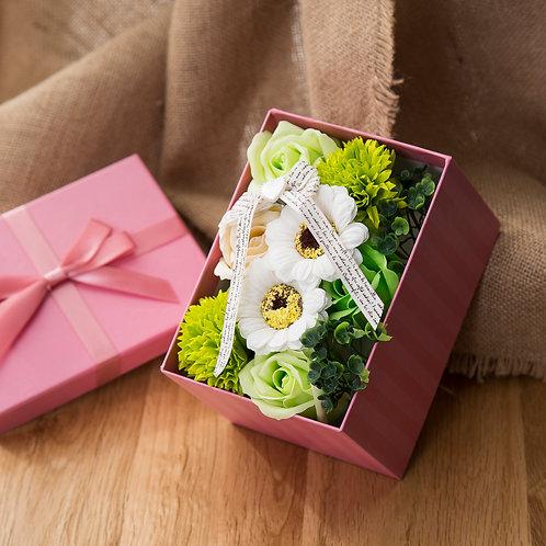ソープフラワー ボックス アレンジメント ソープフラワーギフト 花 ボックスフラワー 誕生日 プレゼント 母 女性 女友達 彼女 結婚祝い お祝い ギフト 退職