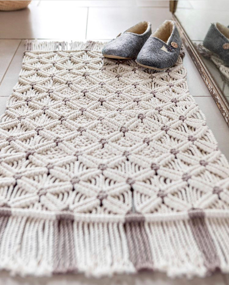 Macrame rug from Macrame for the modern home