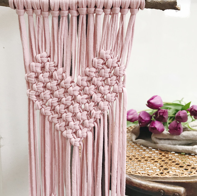Macrame heart wall hanging- the free pattern