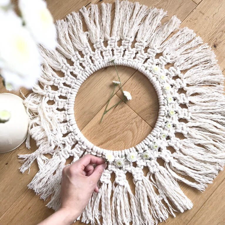 macrame wreath with daisy wip
