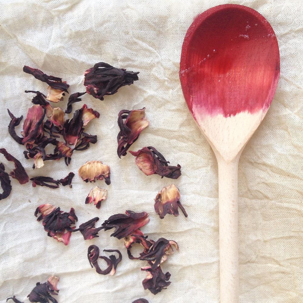 HIBISCUS FLOWER AND WOODEN SPOON