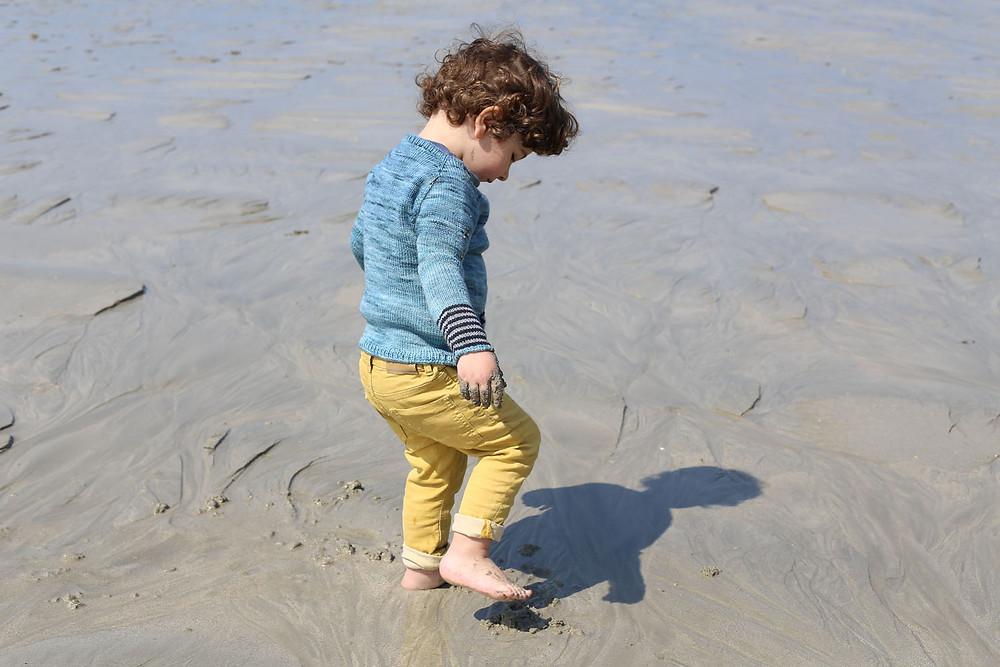 Pull Little Danio - Tricot enfant par Folie 0rdinaire Design