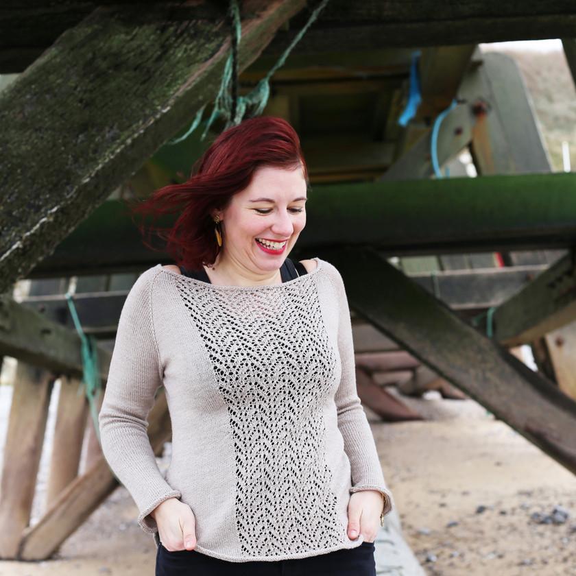 Pull a dentelles Altaica - Tricot femme par Folie 0rdinaire Design