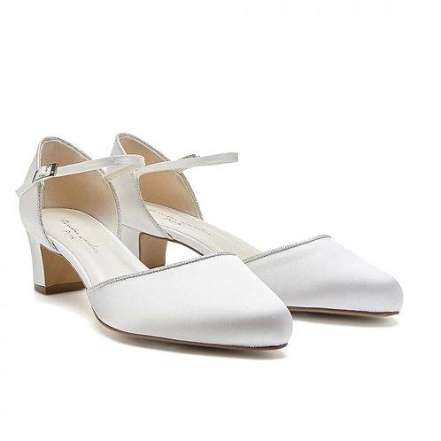 Wide Fit Ivory Low Block Heel Court Shoe