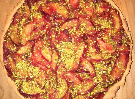 Ricetta della crostata vegan di percocche con granella di pistacchi