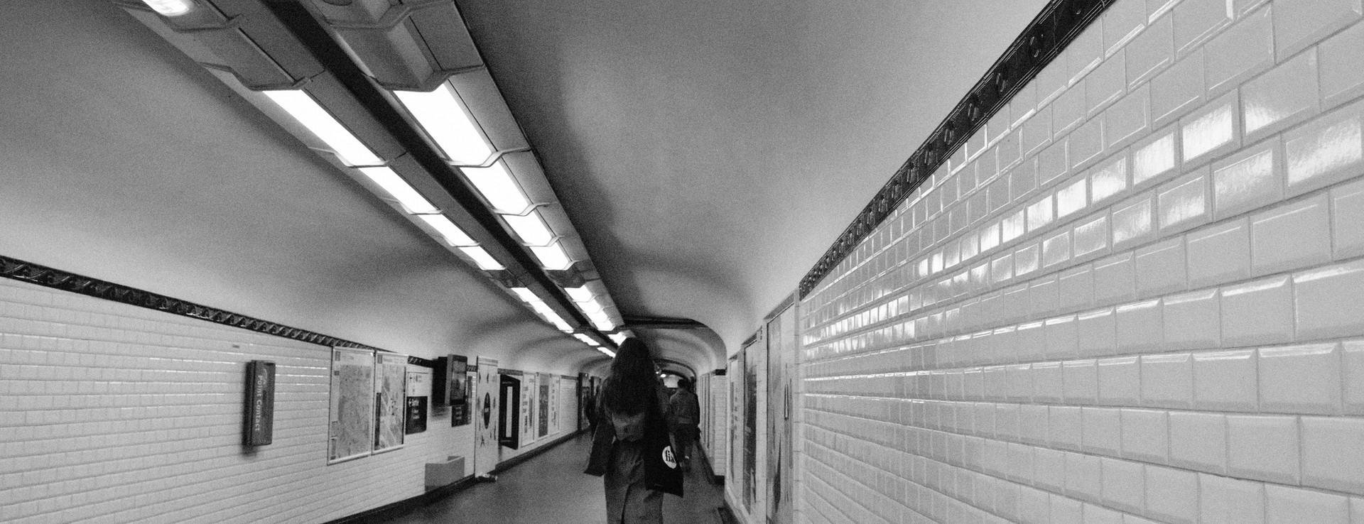 A Jean-Luc Godard scene