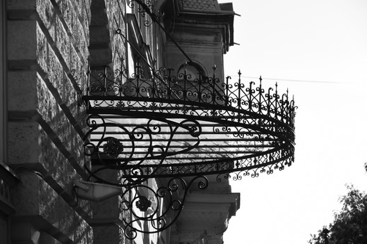 Details through the beautiful city architecture