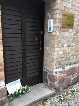 Eingang zum Jüdischen Friedhof und zur Synagoge in Halle