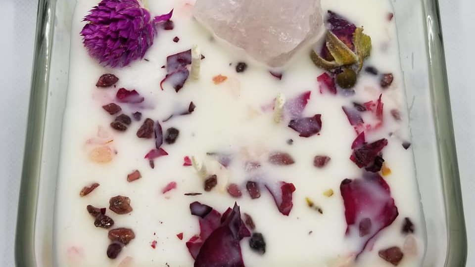 Intention Candle - Rose Quartz Love - 8.5oz Circle Jar