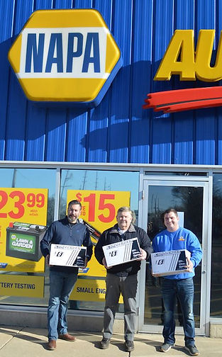 INDIANA NAPA AUTO PARTS STORE HELPS FRONT LINE WORKERS