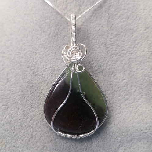 Chrysoprase wire wrapped pendant