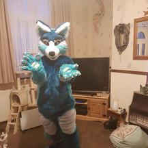 Syfy red panda blue fursuit fullsuit mcm expo pawpads claws plantigrade