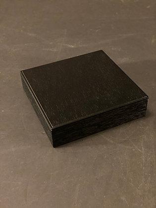 Lacquer box  [M-B 1052]