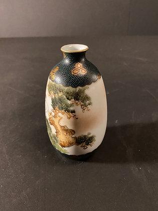Kutani Sake Bottle [H-B 1027]