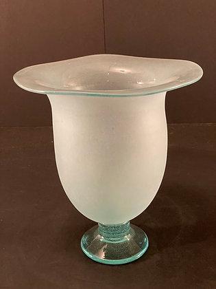 Glass vase  [H-V 1148]