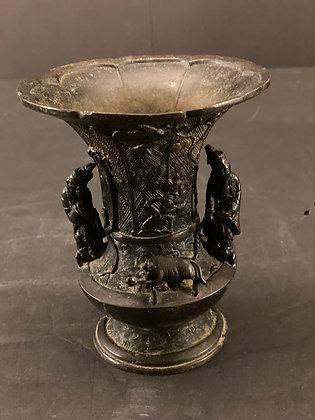 Bronze vase  [H-V 1217]