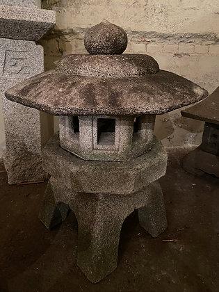 Stone Lantern  [G-S 1015]