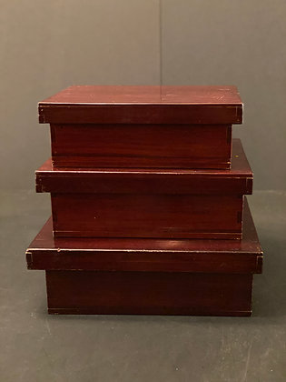 Lacquer boxes (set of three)  [M-B 1155]