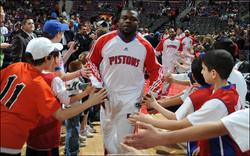 NBA Fan - DET - hifivetunnel_640_100702