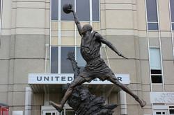 michael-jordan-statue-united-center