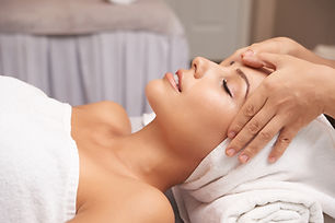 calming-massage-7N65KKM.jpg