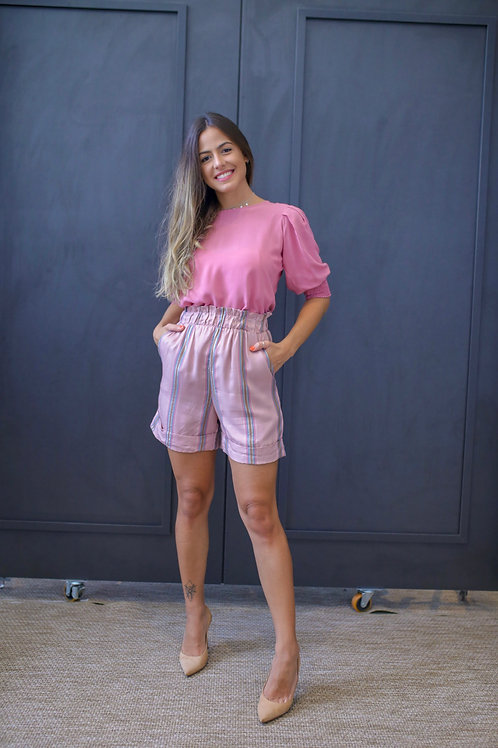 Frente do shorts gabrielle rosa les cloches