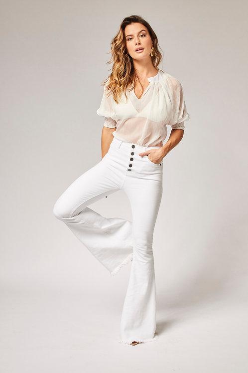 Frente da calça jeans flare branca les cloches