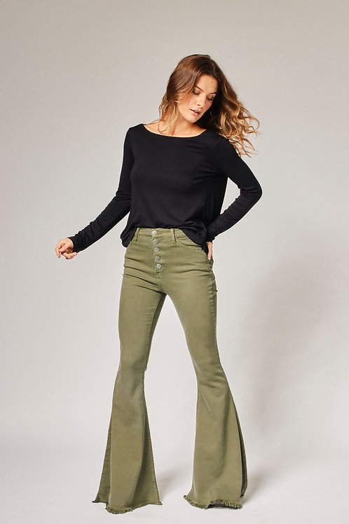 Frente da calça jeans flare verde militar les cloches