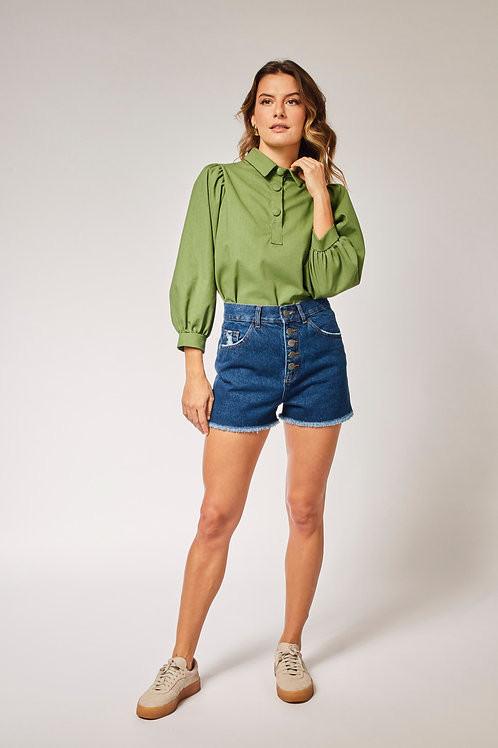 Frente do shorts jeans escuro les cloches
