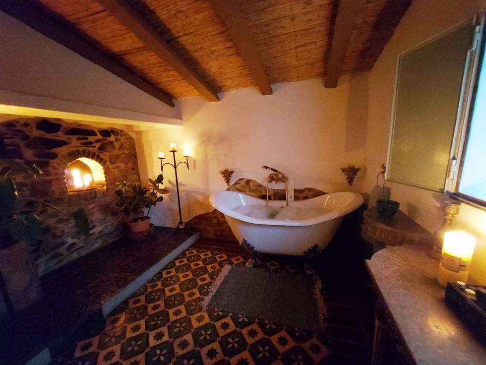 The romantic 'big bathroom'