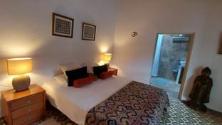 Room 1: CUSCO (Ensuite): king-bed setup