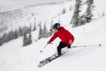 iStock_000032751510_Full Skier.jpg