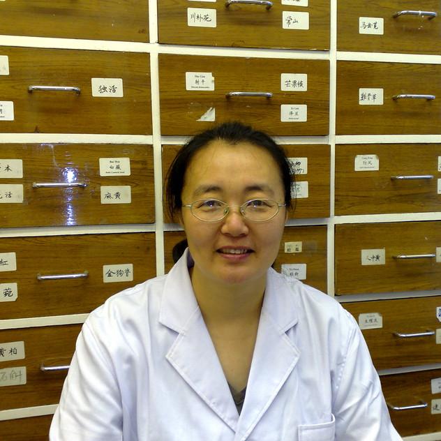 dr yan chunni pic1