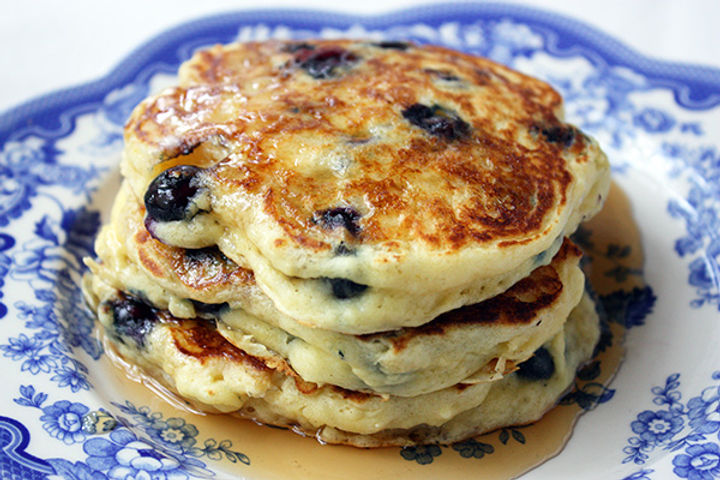 blueberry-buttermilk-pancakes.jpg