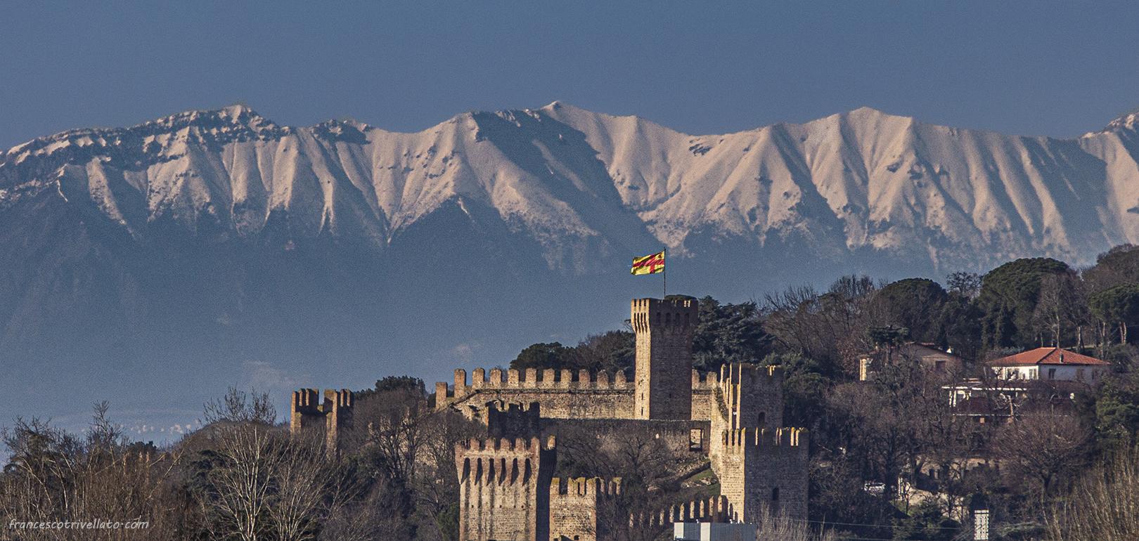 Monte Baldo e Castello Carrarese