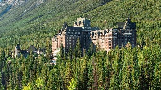 Banff_Springs_Summer_492721_med-750x422.
