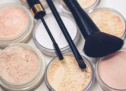 Makeup mit Bürsten