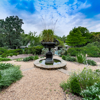 Oakton-back-yard-garden-fountain.JPG