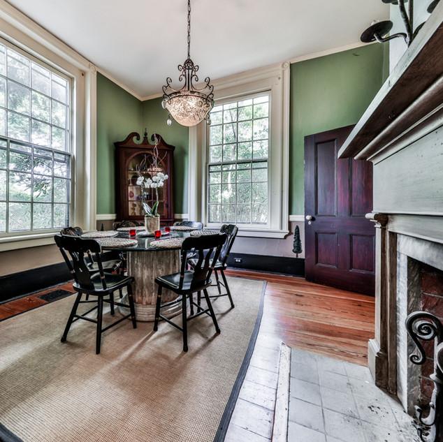 Oakton-dining-room.JPG