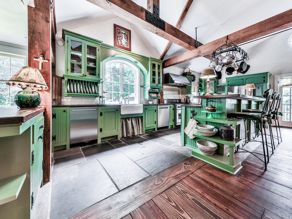 Oakton-Kitchen.JPG
