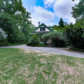 Oakton-back-yard-garden.JPG