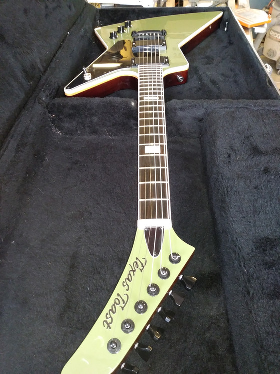 Counterfeits, Tributes & Lawsuit Guitars