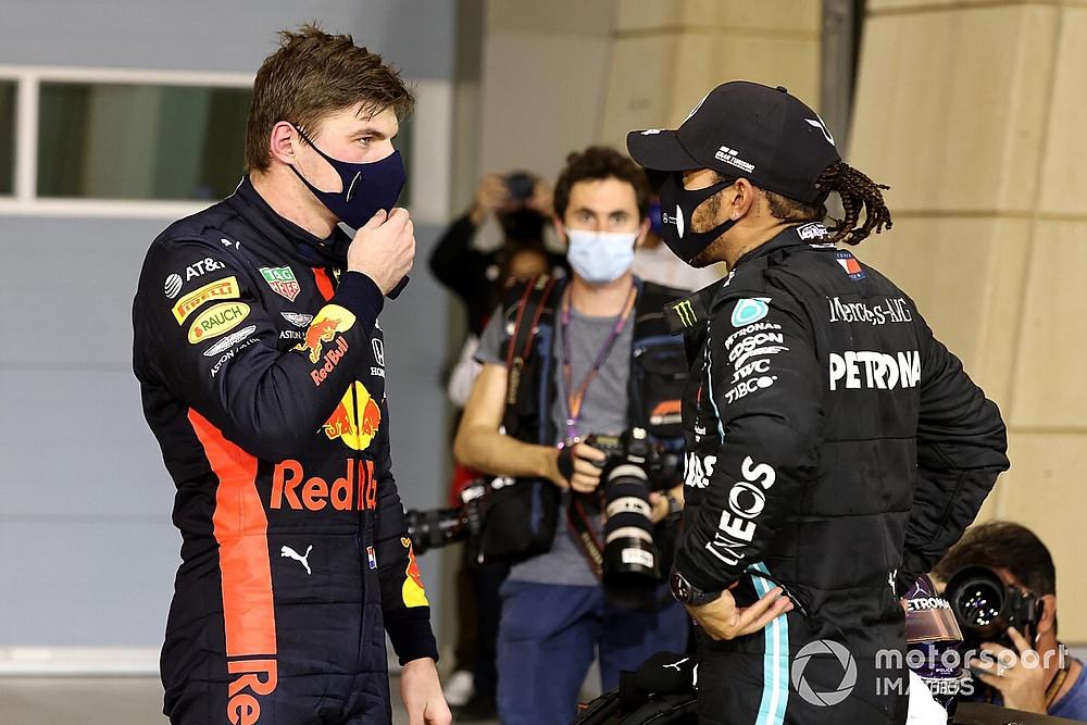 A rivalidade entre Lewis Hamilton e Max Verstappen se acirrou após o acidente