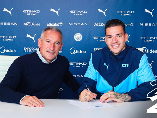 """""""I feel that the fans love me"""" – Ederson extends Manchester City contract until 2026"""