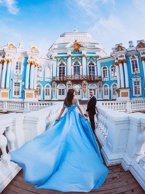 Роскошное атласное платье со шлейфом