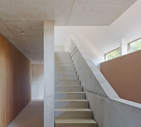 Haus-B19-by-search_dezeen_23.jpg