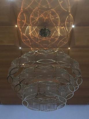 Leuchter in Anfertigung für ein Schloss in Stuttgart - Material definiert visuelle Wirklichkeit